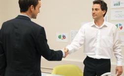 استفاده از زبان بدن در یک مصاحبه ی شغلی