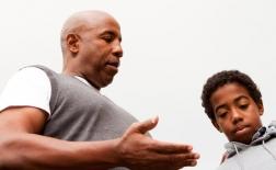 چگونه یک کودک پرخاشگر را تنبیه کنیم