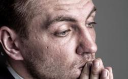 چگونه با اضطراب اجتماعی خود مبارزه کنیم