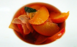 طرز تهیه ترشی هلو و زردآلو