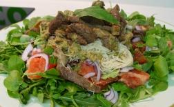 طرز تهیه سالاد گوشت