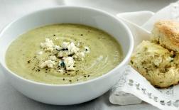 طرز تهیه سوپ پنیر اروپایی