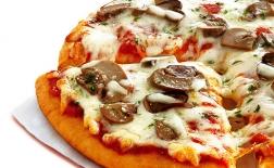 طرز تهیه پیتزا قارچ و گوشت