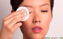 چگونه آرایش چشمهایتان را پاک کنید