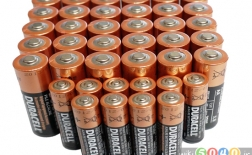 چگونه به جای باتری قلمی (AA) از باتری نیم قلمی (AAA) استفاده کنیم
