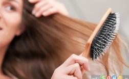 5 اشتباهی که در هنگام برس زدن موهای خود مرتکب میشوید
