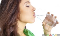 فواید شگفتانگیز نوشیدن آب برای سلامتی و زیبایی