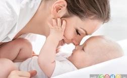 چگونه پیوند عاطفی با نوزادمان را تقویت کنیم