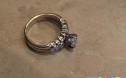 چگونه با آمونیاک جواهرات خود را تمیز کنیم