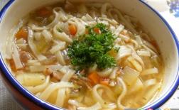 سوپ نودل مرغ
