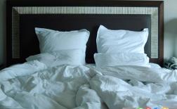 چرا نباید تختتان را مرتب کنید