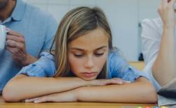 چرا کودک به حرف یکی از والدین بیشتر گوش می دهد