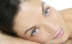 عادت های نادرستی که به پوست شما آسیب می زنند