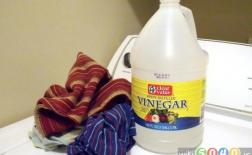 10 کاربرد سرکه در شستشوی لباس