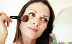 5 اشتباه در زیبایی که شما را مسن نشان می دهد