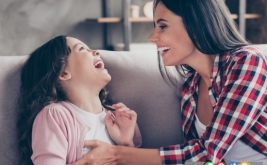 چرا قلقلک دادن کودکان کار خوبی نیست
