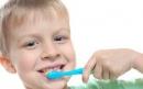 چگونه از دست دندان های زرد راحت شویم