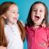 چگونه به کودک خود یاد بدهیم که با دیگران دوست شود