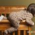 چگونه مانع خارج شدن کودک از تختش شویم