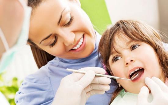 چه کاری انجام دهیم که کودکمان از دندانپزشک نترسد