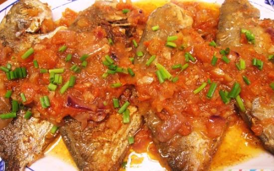 طرز تهیه ماهی با گوجه فرنگی