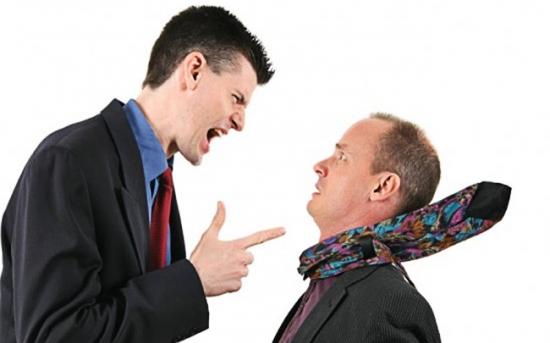 چطور با رئیسی که فریاد می زند کنار بیاییم؟