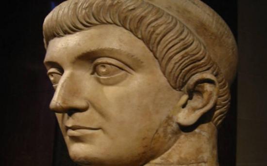 امپراتور کنستانتین