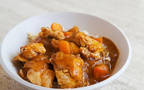 طرز تهیه خوراک مرغ با زردآلو