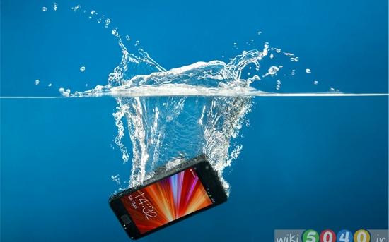 چگونه گوشی موبایلی که خیس شده را نجات دهیم