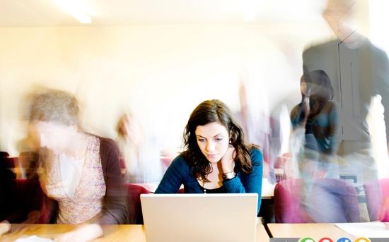 اشتباهاتی که اغلب در محل کار مرتکب می شوید